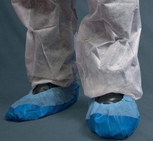 Cobre sapatos em polipropileno azul, cx. 40 unid's